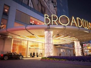 Hotel Package | Macao | 5 stars | Shuttle | Galaxy | Broadway Hotel | 1 night